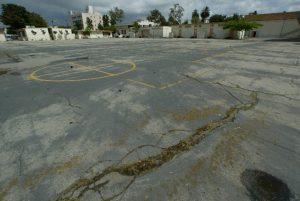 A Shade-less Schoolyard in an LA School, photo by Richard Hartog