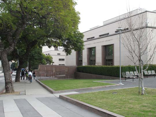 The Los Angeles County Administration building - shows elements like the square windows recur in the Saks Fifth Avenue building. Not sure whose idea the bust of Lincoln was but Lincoln is also worked into the 28th Street YMCA.